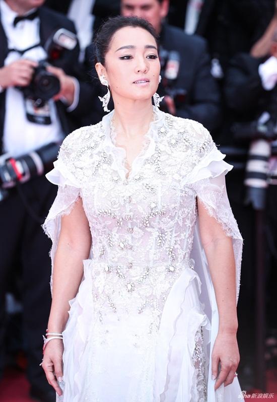Thảm đỏ LHP Cannes 2019: Elle Fanning lộng lẫy chiếm spotlight - Ảnh 12