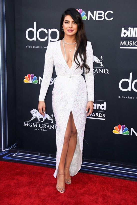 """Billboard Music Awards: Taylor Swift tái xuất """"sến sẩm"""", Trọng Hiếu là nghệ sĩ Việt duy nhất tham dự - ảnh 1"""