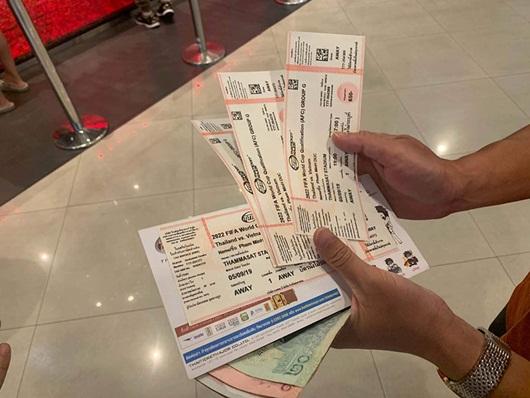 Giá vé trận Việt Nam - Thái Lan tăng phi mã trước giờ bóng lăn - ảnh 1