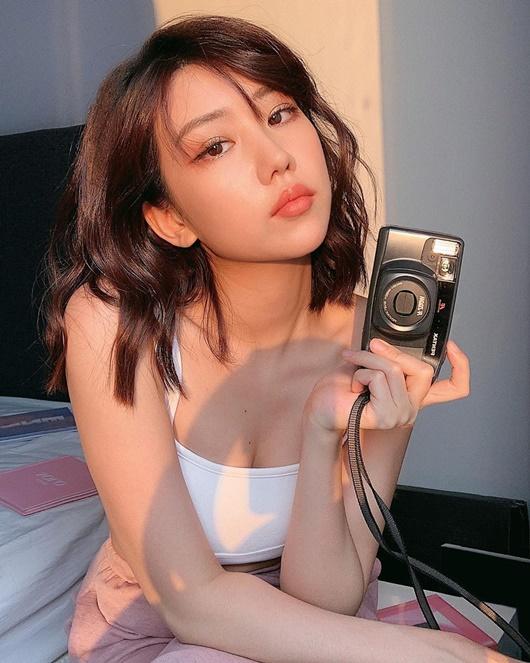 Vẻ đẹp gợi cảm, đầy sức sống như thiếu nữ đôi mươi của Min - ảnh 1