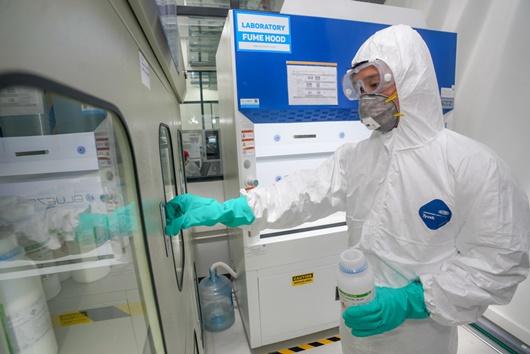 Vingroup sản xuất máy thở và máy đo thân nhiệt - ảnh 1