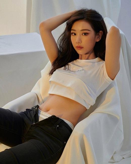 """Phía sau bộ ảnh nội y xuất sắc """"dậy sóng"""" mạng xã hội của Min là ký ức không cô gái nào muốn nhớ lại - ảnh 1"""