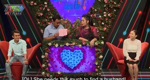 """Cô gái mang """"sớ"""" đến show hẹn hò tìm bạn trai, Quyền Linh thốt lên: """"Kiếm chồng mà có một cuốn vậy mệt lắm"""" - ảnh 1"""