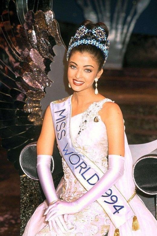 """Chân dung """"hoa hậu thế giới đẹp nhất mọi thời đại"""" vừa thông báo nhiễm Covid-19 - ảnh 1"""