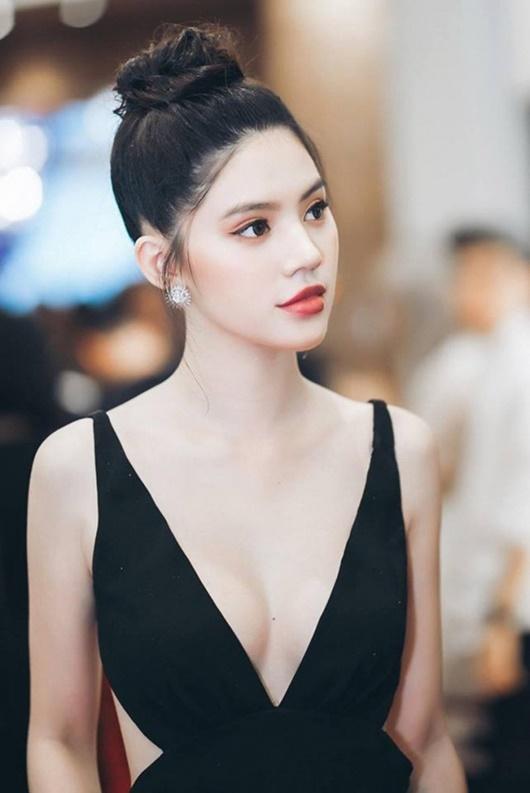 """Hoa hậu người Việt tại Úc 2015 Jolie Nguyễn lên tiếng sau khi bị """"réo tên"""" liên tục hơn 1 ngày qua - ảnh 1"""