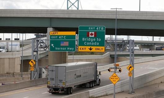 Biên giới Mỹ - Canada có thể sẽ đóng cửa đến năm 2021 - ảnh 1