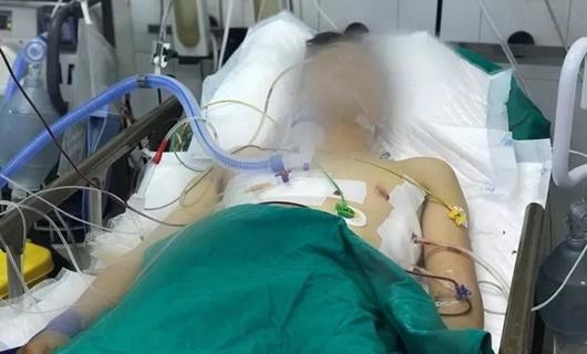 Vụ tài xế GrabBike bị cướp đâm 6 nhát: 20 phút sau mới tới được bệnh viện - ảnh 1