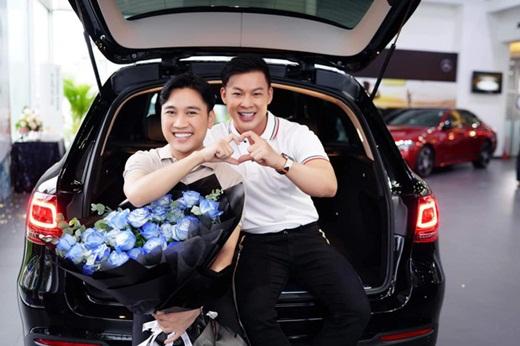 Tin tức giải trí mới nhất ngày 6/8/2020: Don Nguyễn được bạn trai tặng xế hộp kỷ niệm 10 năm yêu nhau - ảnh 1
