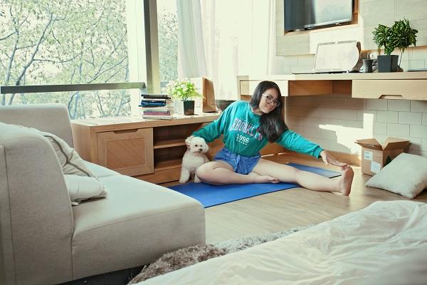 Hiền Thục khoe vẻ xuân sắc bên cạnh con gái 16 tuổi - ảnh 1