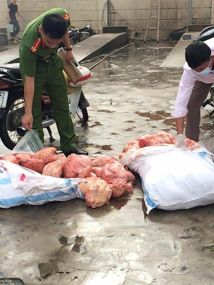 Hà Tĩnh: Bắt một lượng lớn gà đã giết mổ chưa qua kiểm dịch