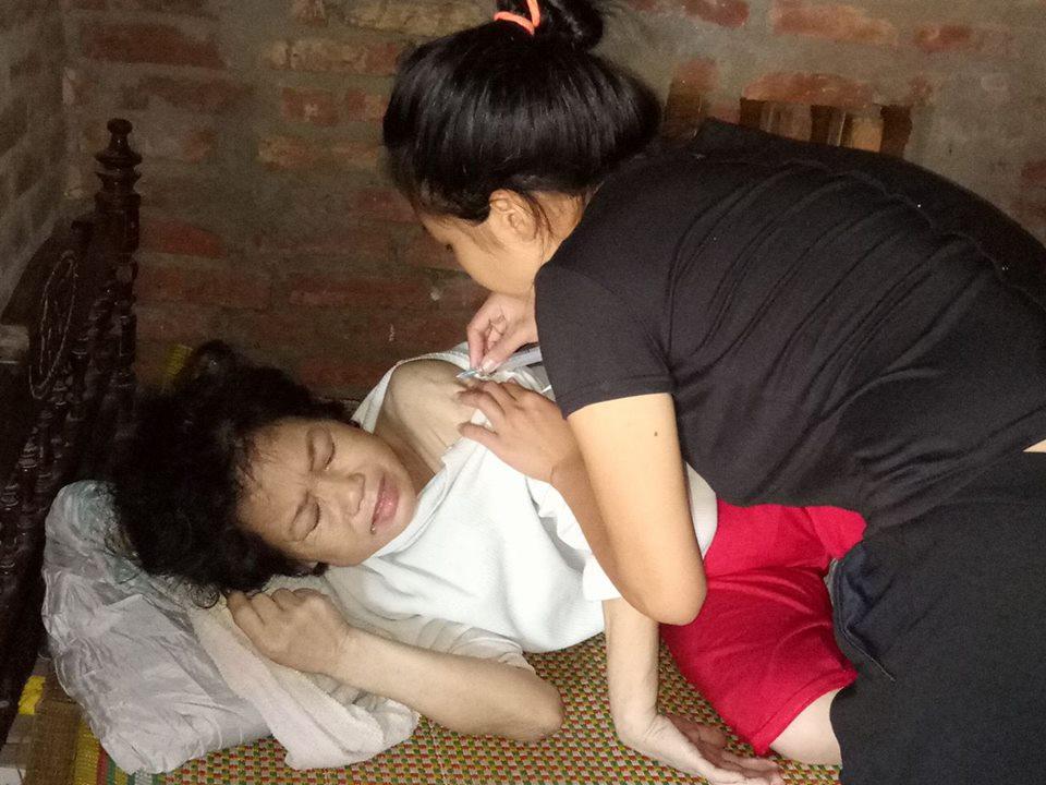 Con trẻ nhói tim gan mỗi lần nghe mẹ xin được chết... - ảnh 1