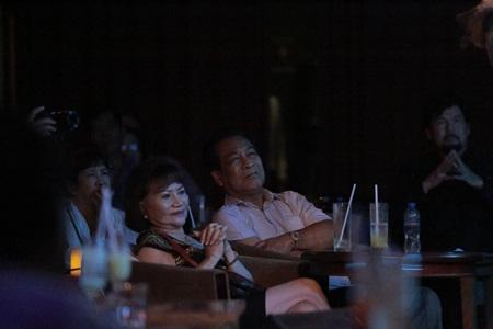 Bố mẹ Trấn Thành là fan ruột của danh ca Ý Lan, Vũ Khanh - Ảnh 3