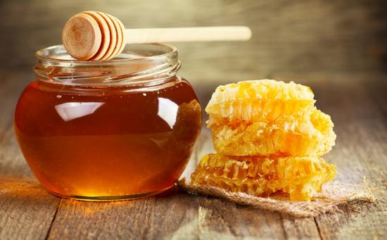 Giới thiệu cách làm trắng răng từ mật ong