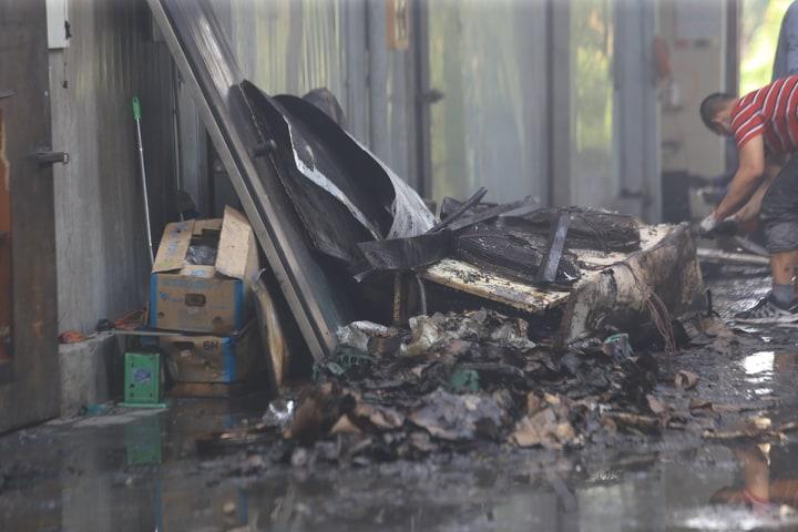 Nhân chứng vụ cháy 8 người chết, mất tích ở Hà Nội: 3 mẹ con chết trong tư thế ôm nhau - Ảnh 2