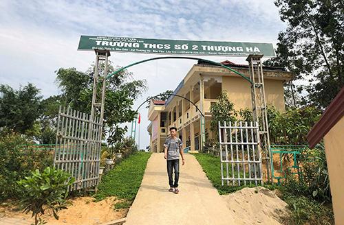 Vụ thầy giáo bị tố làm nữ sinh lớp 8 có thai ở Lào Cai: Anh trai nạn nhân nói gì về số tiền bồi thường - Ảnh 1