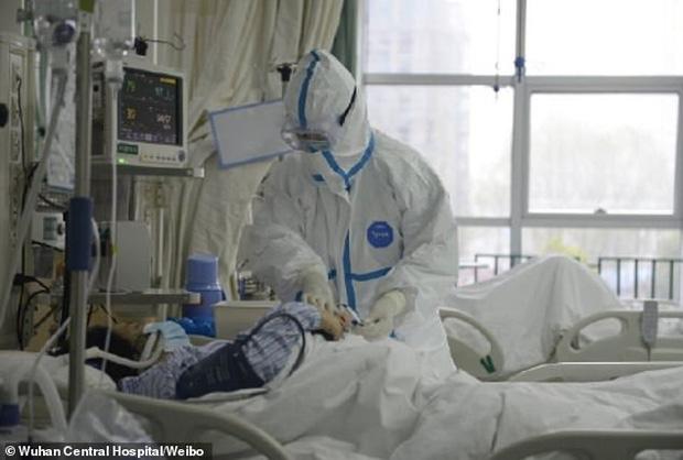 Bệnh nhân đầu tiên mắc virus corona ở Vũ Hán hồi phục - ảnh 1