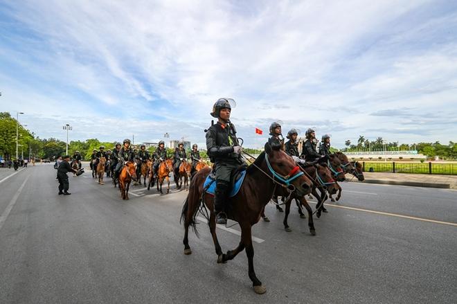 Chùm ảnh bộ Công an ra mắt lực lượng Cảnh sát cơ động Kỵ binh - ảnh 1