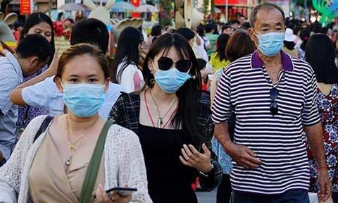 Từ ngày mai (5/8), TP.HCM xử phạt người không đeo khẩu trang nơi công cộng - ảnh 1