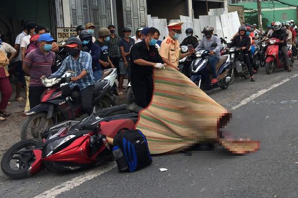 Tin tai nạn giao thông mới nhất ngày 8/8/2020: Thanh niên 19 tuổi chết thảm dưới gầm xe tải - ảnh 1
