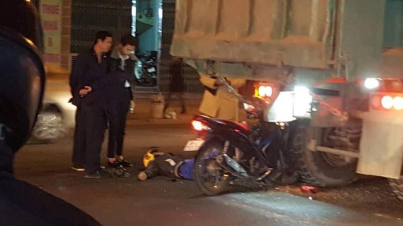 Tin tai nạn giao thông mới nhất ngày 18/12/2018: Va chạm giữa 2 xe máy, cô gái trẻ tử vong tại chỗ - ảnh 1