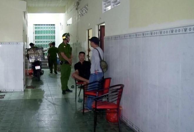 """Giải cứu đôi nam nữ bị """"giam lỏng"""" từ Campuchia về Việt Nam sau khi thua bạc - Ảnh 1"""