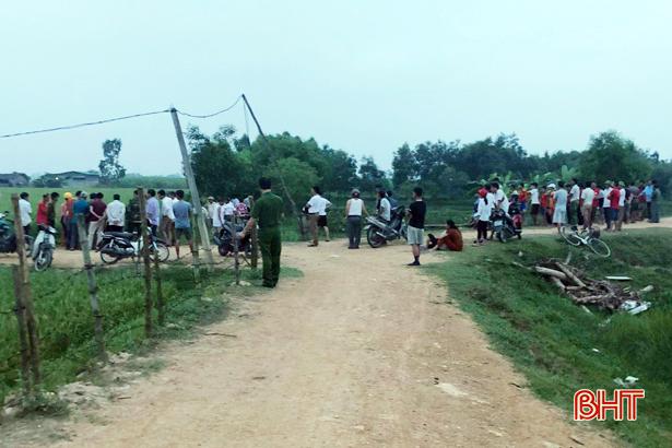 Đi thăm trang trại, tá hỏa phát hiện người phụ nữ bị điện giật chết cháy - Ảnh 1