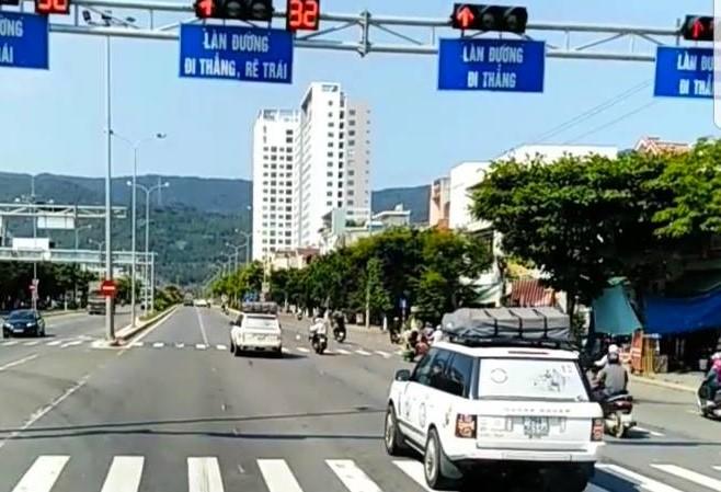 Vụ đoàn xe sang nối đuôi nhau vượt đèn đỏ ở Đà Nẵng: Tập đoàn Trung Nguyên là chủ sở hữu - ảnh 1