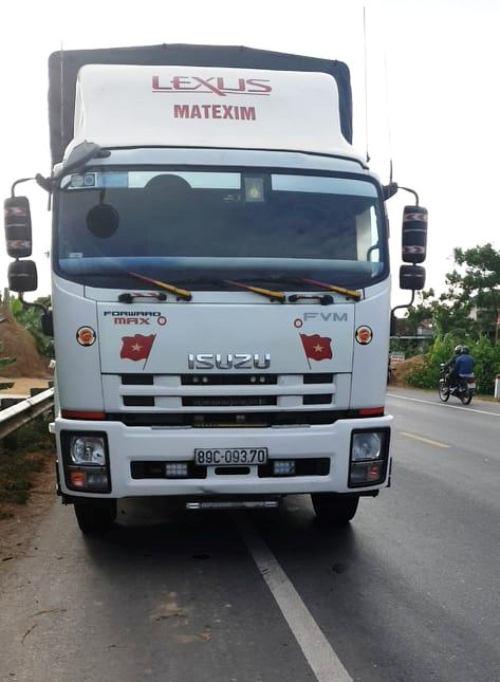 Ô tô tải tông xe máy, 2 người tử vong tại chỗ - Ảnh 2