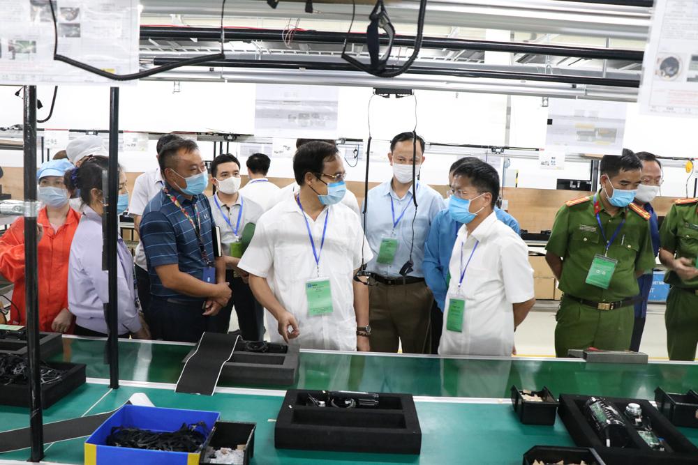 Vụ nhiều công nhân kỹ thuật điện tử Tonly Việt Nam bị ngất: Công an vào cuộc điều tra - ảnh 1