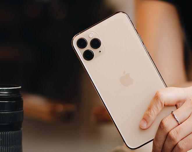 iPhone 11 mở bán giá 21 triệu đồng tại Việt Nam, người mua không mấy mặn mà - ảnh 1