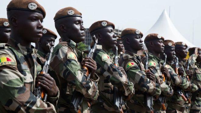Tấn công khủng bố vào căn cứ quân sự Mali, 53 binh sĩ thiệt mạng - ảnh 1