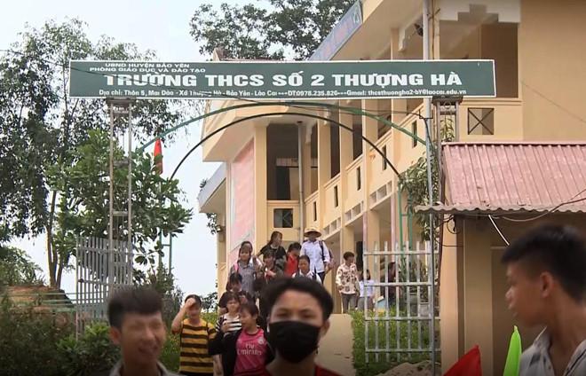 """Vụ thầy giáo bị """"tố"""" làm học sinh lớp 8 mang thai ở Lào Cai: Bất ngờ trước gia cảnh của người thầy - Ảnh 1"""