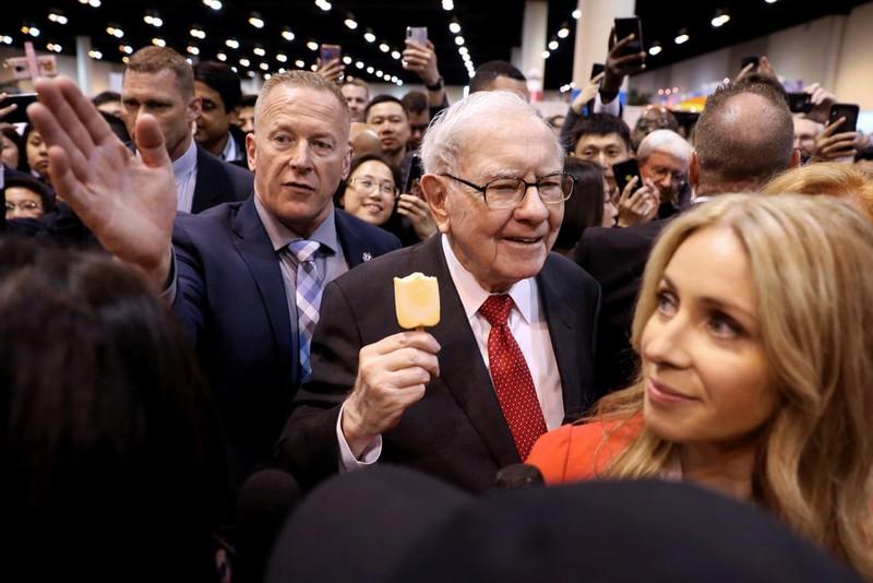 """Đế chế báo chí """"khủng"""" với 31 tờ báo tỷ phú Warren Buffett được bán với giá bao nhiêu? - ảnh 1"""