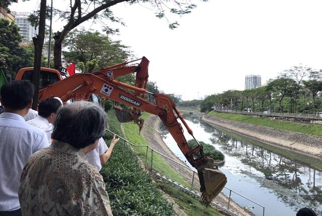 Hà Nội khởi động gói thầu dẫn nước thải hồi sinh sông Tô Lịch - ảnh 1