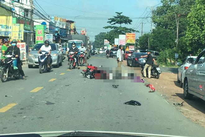 Tin tai nạn giao thông mới nhất ngày 12/7: Đội cứu hộ phải lật xe tìm nạn nhân vụ tai nạn ở Kon Tum - ảnh 1