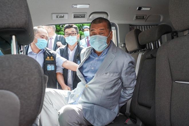 Trùm truyền thông Hong Kong bị bắt, cổ phiếu công ty bất ngờ tăng vọt 344% - ảnh 1