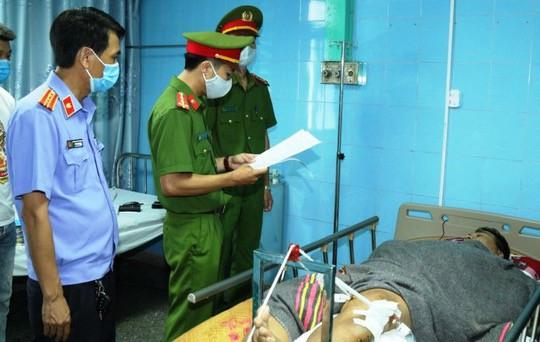 Khởi tố tài xế gây ra vụ lật xe du lịch làm 15 người tử vong, 22 người bị thương tại Quảng Bình - ảnh 1