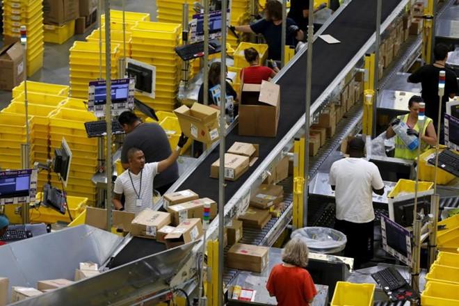 Amazon có robot tự đóng gói đơn hàng, thay thế hàng ngàn nhân viên - Ảnh 1