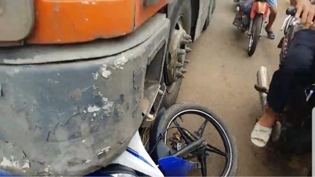 Đồng Nai: Trung úy công an tử vong sau khi va chạm với xe container - ảnh 1