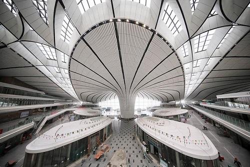 Loạt công nghệ hiện đại trong siêu sân bay 12 tỷ USD vừa được khai trương tại Trung Quốc - ảnh 1