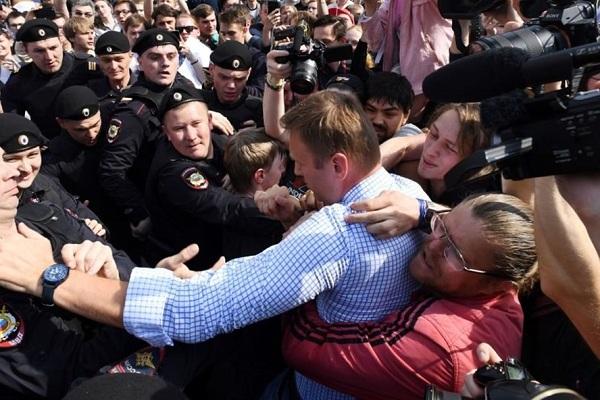 Nga: Bắt giữ thủ lĩnh phe đối lập và hơn 200 người do biểu tình trái phép - ảnh 1