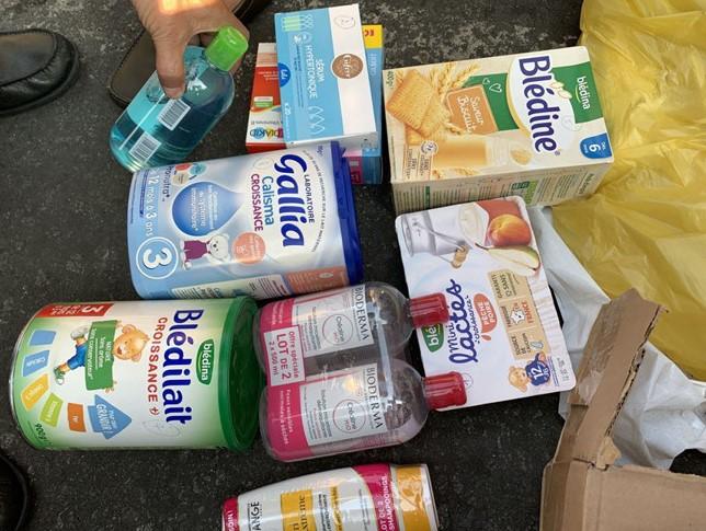Bắt giữ lô hàng phẩm mỹ phẩm và thực phẩm cao cấp của Pháp nhập lậu về Việt Nam - Ảnh 1