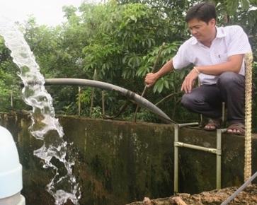 Nỗi khổ của dân ở vùng nước nhiễm phèn được giải tỏa - ảnh 1