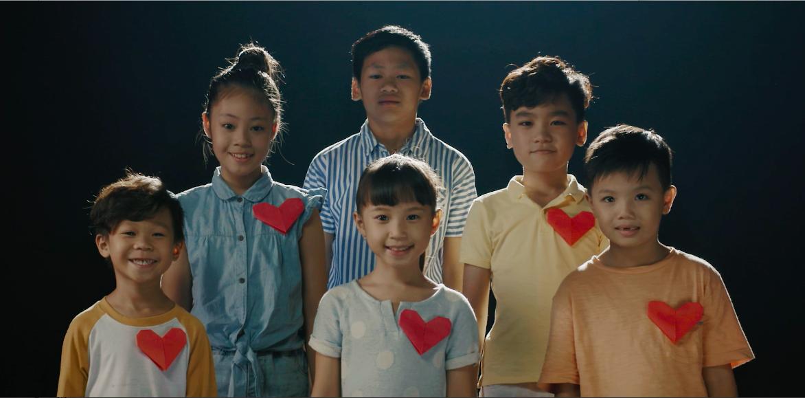Hương Tràm tham gia MV kêu gọi hỗ trợ mổ tim miễn phí cho trẻ em nghèo mắc bệnh tim bẩm sinh - ảnh 1
