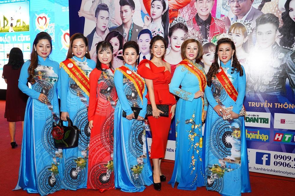 """Mrs Khúc Phương Thuý làm đại sứ """"Hành trình kết nối yêu thương số 9"""" tỉnh Hà Giang - ảnh 1"""