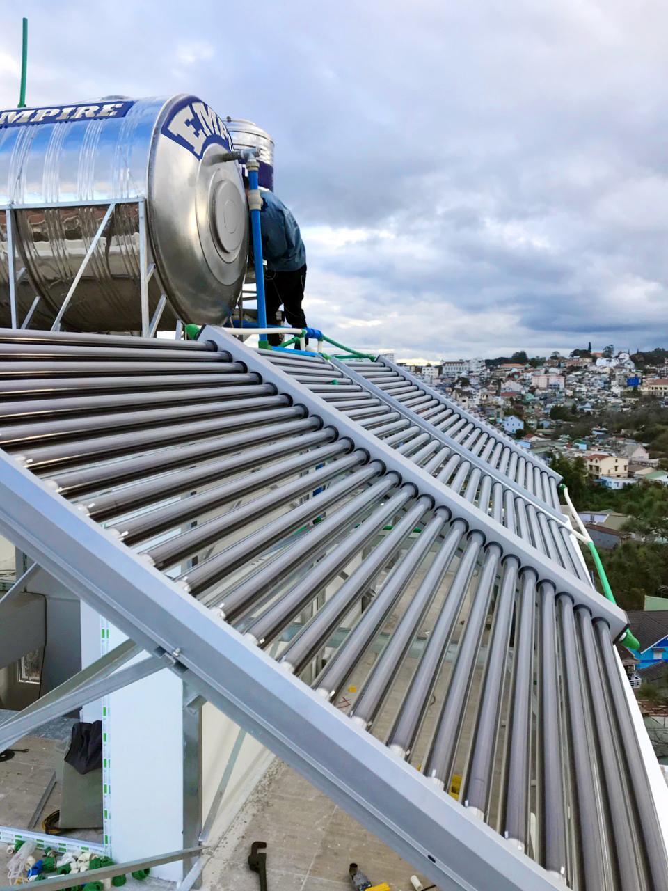 Máy nước nóng năng lượng mặt trời Empire - ảnh 1