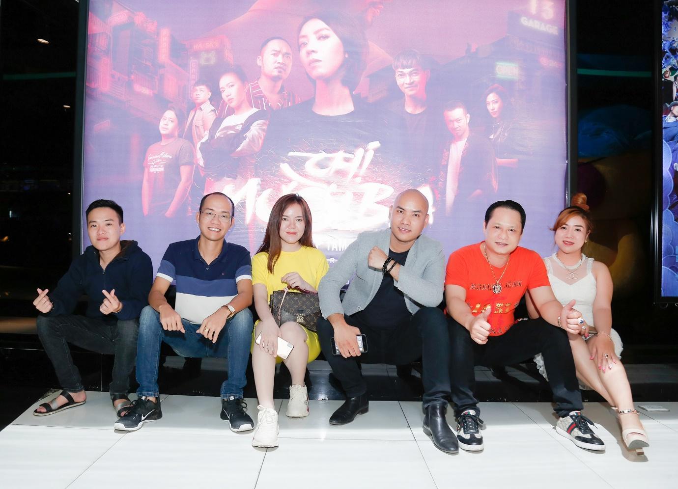 """Chu Bin & A Tuân hào hứng ủng hộ phim """"Chị 13"""" của vợ chồng Thu Trang - Tiến Luật - Ảnh 5"""