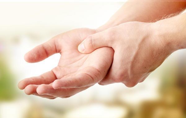 9 dấu hiệu cảnh báo bạn có nguy cơ cao mắc bệnh ung thư não - Ảnh 1