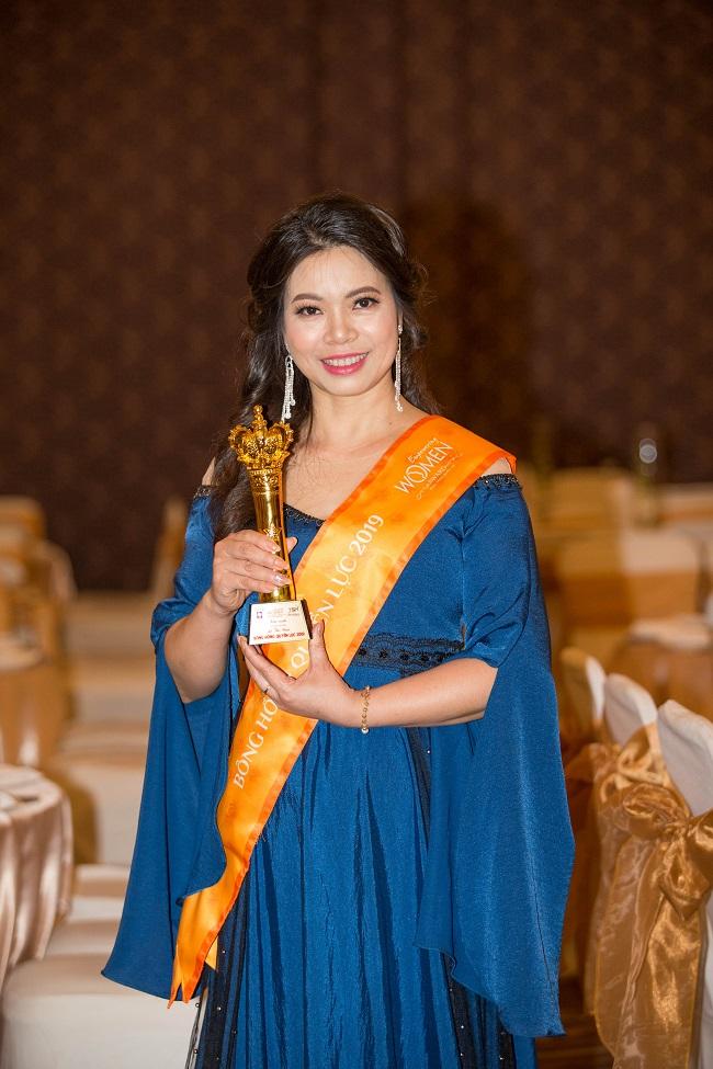 Nữ hoàng Ong Lê Nga nhận giải Bông Hồng quyền lực năm 2019 - Ảnh 3