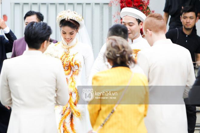 Lan Khuê rạng rỡ bên chồng đại gia trong lễ ăn hỏi - ảnh 1